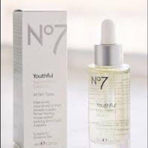 No 7 Youthful Replenishing Facial Oil